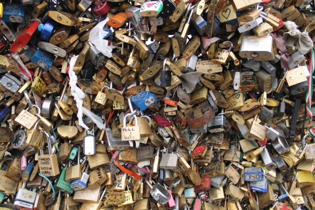 love-lock-bridge-paris